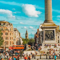 A Local's London Travel Guide:…